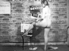 vendeuse de journauxgirl (923710)